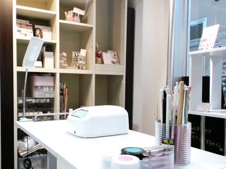 nail&eyelash salon 402